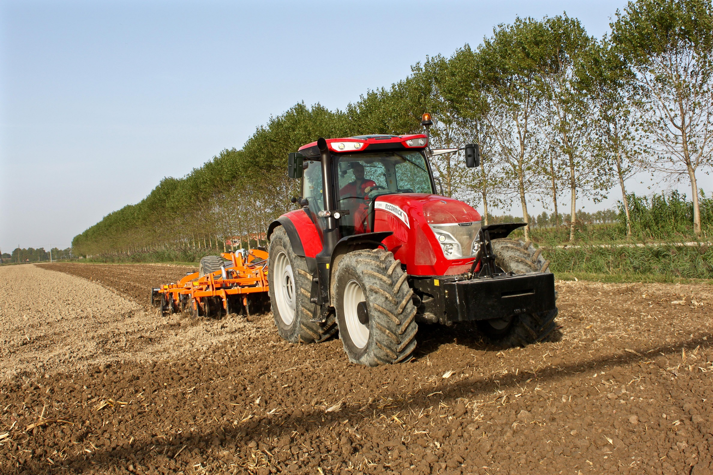Two most powerful McCormick X7 Series tractors now available to Efficient  spec