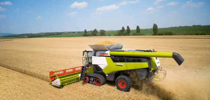 New combine takes straw-walker combines to higher level